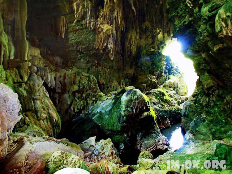TOP 6 สถาที่เที่ยวกาญจนบุรี ที่ห้ามพลาดเลยขอบอก เพียบพร้อมไปด้วยแหล่งท่องเที่ยวทางธรรมชาติ เช่น ถ้ำ ภูเขา น้ำตก ป่า แม่น้ำ